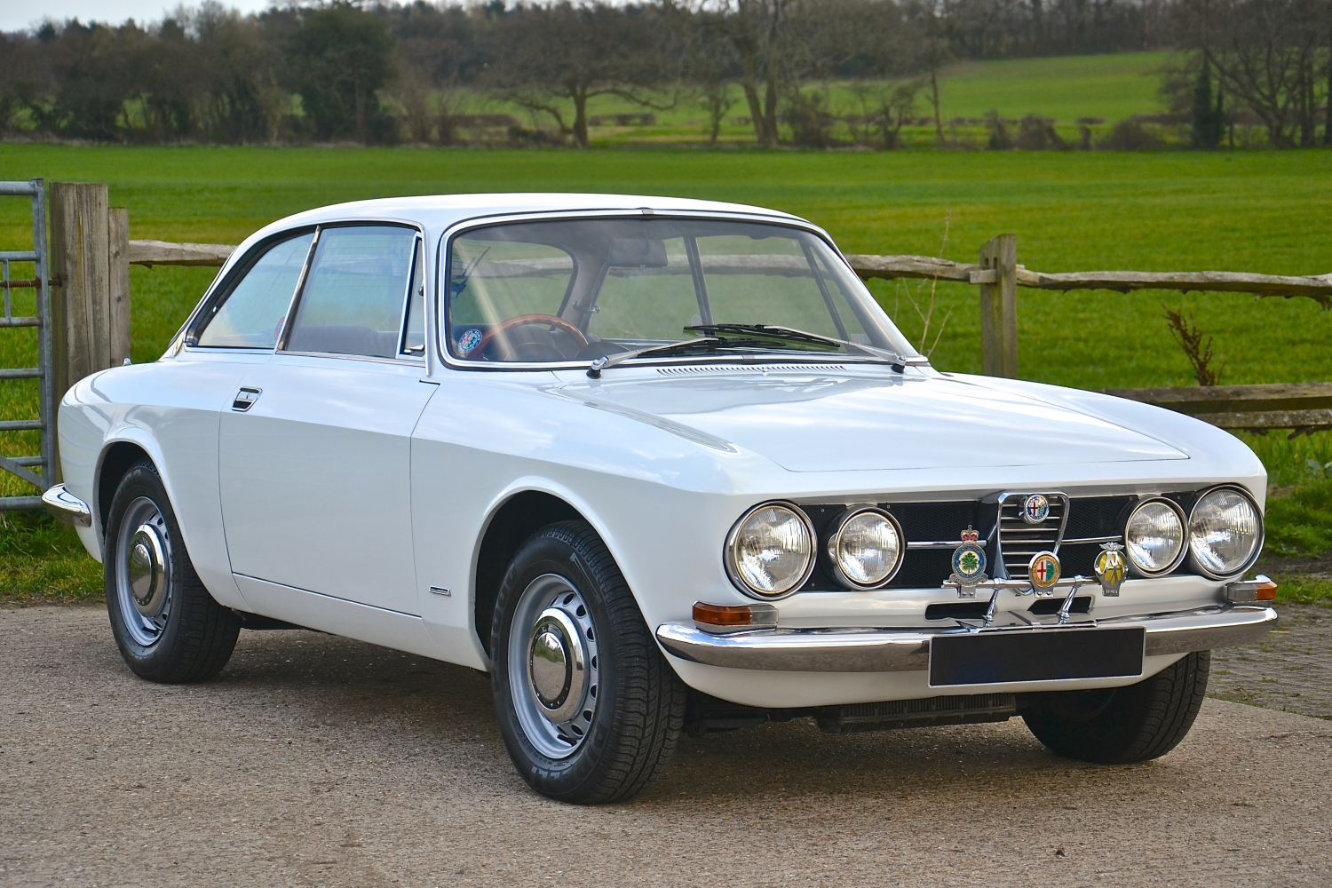 alfa romeo 1750 gtv mk1 rhd one owner sold southwood car company. Black Bedroom Furniture Sets. Home Design Ideas