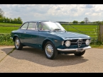 Alfa Romeo Giulia 1300GT Junior photograph