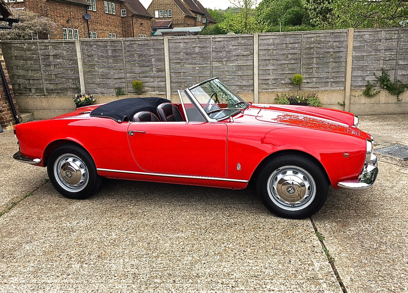 alfa romeo giulietta spider veloce for sale southwood. Black Bedroom Furniture Sets. Home Design Ideas